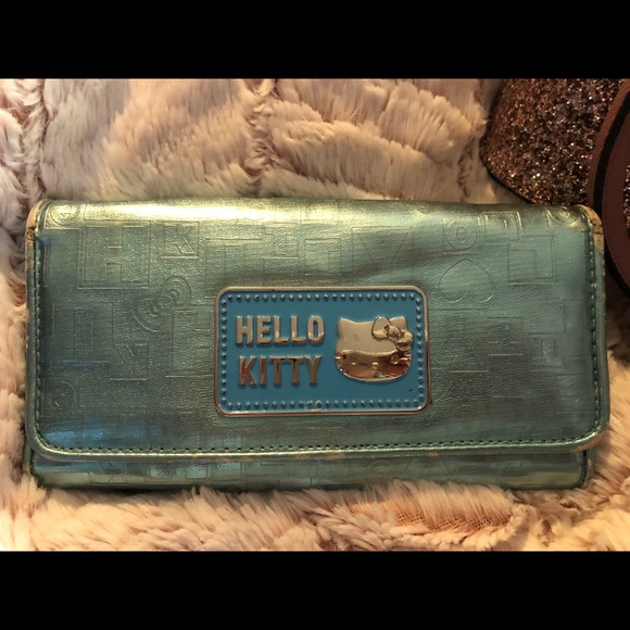 Loungefly Hello Kitty Metallic Mini Wallet NEW IN STOCK